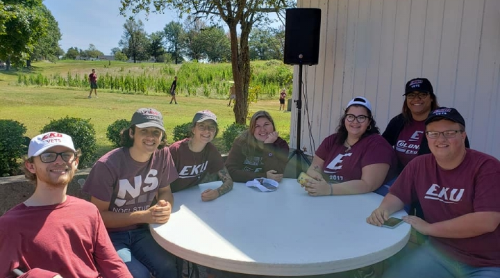 Students at Welcome Back Picnic